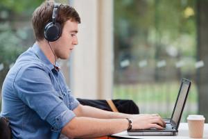 Vybaviť si pôžičku online sa dá rôznymi spôsobmi